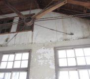 天井をとった南面を調査。明かり取り窓を復活したい